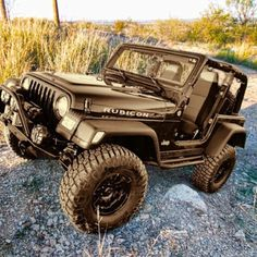 Black Jeep Rubicon: but with pink accents Jeep Wrangler Rubicon, Jeep Tj, Jeep Truck, 4x4, Cool Jeeps, Cheap Jeeps, Badass Jeep, Black Jeep, Jeep Accessories