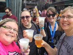 Thank you @HogwartsRunners! Cheers to new friends! #universalmoments . #somuchgood #hufflepuff #ravenclaw #gryffindor #harrypotter #butterbeer #cheers