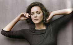 Marion Cotillard is a glamorous Academy Award winning, French actress. See our striking pictures of Marion Cotillard without makeup Angelina Jolie, Le Jolie, Plastic Surgery Photos, Celebrity Plastic Surgery, Public Enemies, Cut My Hair, Her Hair, Brad Pitt, Marion Cotillard Hair