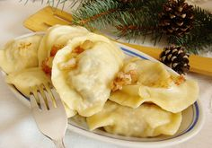 Pierogi z mięsem i kapustą Pierogi, Tableware, Ethnic Recipes, Kitchen, Food, Dinnerware, Cooking, Tablewares, Kitchens
