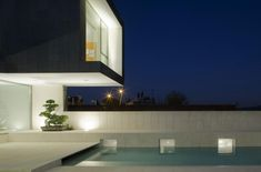 barcelona-house-with-imposing-exterior-and-sweet-central-courtyard-17.jpg