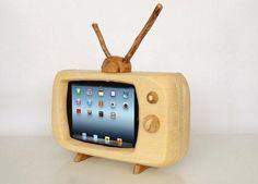 レトロテレビ風iPadスタンド