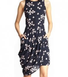 The Only 5 Dresses You Need in Your Closet: and this one has pockets. luv