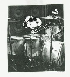 Snoopy on the drums!
