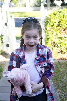 3d937786 Fern from Charlotte's Web costume. Really easy DIY Fern from Charlottes Web  costume // Megan Nielsen Design Diary