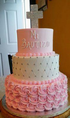 Pastel para bautizo Christening Cake Girls, Baby Girl Baptism, Baptism Party Decorations, Baptism Cookies, First Communion Cakes, Girl Cakes, Baby Shower Cakes, Fondant, Ideas Bautizo
