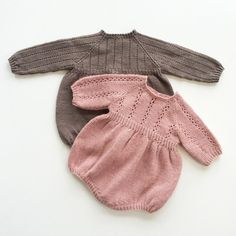 «Brother and sister ❤️ Samme mønster to forskjellige uttrykk Knitting For Kids, Baby Knitting Patterns, Knitted Baby Clothes, Kids Patterns, Culottes, Baby Sweaters, Baby Outfits, Baby Dress, Knitwear