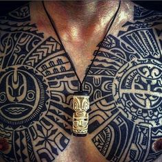 Marquesan chest tiki necklace hanger maori polynesian by rob deut tattooing ymuiden holland New Tattoos, Body Art Tattoos, Hand Tattoos, Tattoos For Guys, Tatoos, Necklace Tattoo, Necklace Hanger, Polynesian Tattoo Designs, Maori Tattoo Designs
