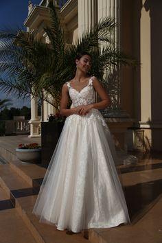 Suknia ślubna Isabel - nowatorska propozycja na romantyczną suknię dla nowoczesnej kobiety - dostępna w Galerii Ślubu Kamea