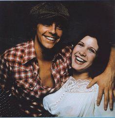 Hermosa fotografía de Mark Hamill & Carrie Fisher.