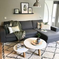 Hold updated with the most recent small living room decor some ideas (chic & modern). Discover great techniques for getting fashionable design even if you have a small living room. Living Room On A Budget, Cozy Living Rooms, Living Room Grey, Living Room Interior, Home Living Room, Apartment Living, Living Room Designs, Tiny Living, Living Spaces