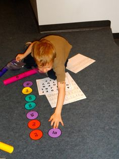 Elementary Music Resources: Centers: Boomwhacker Melodies Laminate coloured circles with solfège names Preschool Music, Music Activities, Teaching Music, Music Games, Piano Games, Music Lessons For Kids, Music Lesson Plans, Piano Lessons, Music Station