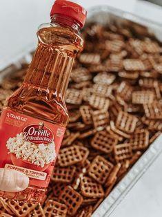 Dots Pretzel Recipe, Pretzels Recipe, Spiced Pretzels, Snack Mix Recipes, Snack Mixes, Cooking Recipes, Cooking Tips, Quick Appetizers, Appetizer Recipes
