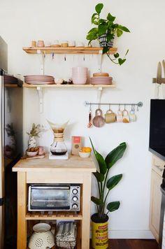 50 elegant apartment kitchen decor ideas (4)