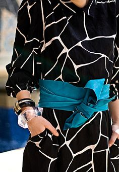 an obi belt, via at Diabolina (diabolinafashiondiary.blogspot.com)