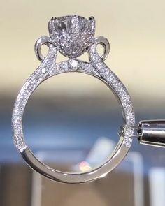 Beautiful Wedding Rings, Wedding Rings Vintage, Wedding Jewelry, Cute Engagement Rings, Diamond Engagement Rings, Designer Engagement Rings, Diamond Wedding Bands, Diamond Rings, Gold Ring Designs