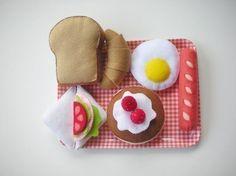 He encontrado este interesante anuncio de Etsy en https://www.etsy.com/es/listing/61485344/sentia-feliz-desayuno-patron-set-comida