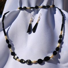 Black Coral Jewelry - White Pearl - Set