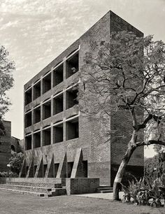 Louis Kahn - Indian Institute of Management, Ahmedabad (1970)