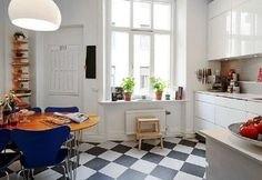 Simple-Small-Scandinavian-Kitchen-Designs-with-Black-White-Floor-Tile : Lamidge.net