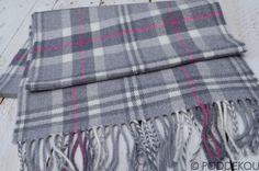 vlneny sal - Google Search Wool Scarf, Plaid Scarf, Scarves, Blanket, Google Search, Fashion, Scarfs, Moda, Fashion Styles