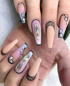See the differences between these popular nail shapes, and feel confident when a manicurist asks how you'd like your nails filed. Fabulous Nails, Gorgeous Nails, Love Nails, Fun Nails, Pretty Nails, Amazing Nails, Best Acrylic Nails, Acrylic Nail Designs, Nail Art Designs