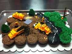 30 Construction Cupcakes For Builders - Cupcakes Gallery - Page 6 Cupcakes Design, Fun Cupcakes, Cupcake Party, Birthday Cupcakes, Party Cakes, Cupcake Cookies, Construction Cupcakes, Construction Birthday Parties, Construction Party