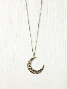 Moon Crescent Necklace. http://www.freepeople.com/whats-new/moon-crescent-necklace/