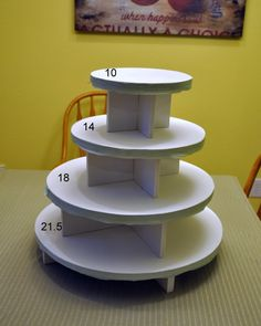 cupcake stand dimensions (ours only needs 2 tiers)- 2 dozen gluten free/vegan cupcakes for special diet folks Cake And Cupcake Stand, Cupcake Display, Cupcake Cakes, Cupcake Tier, Tiered Cupcake Stand, Bolo Diy, Croquembouche, Tiered Stand, Diy Cake