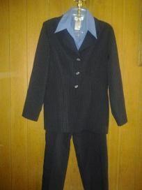 "Lisa go. V cute suit 4 her size 11-12 free ship 4$ 24.99 chest 40"" waist 38"" hip 42"" lens 29"""