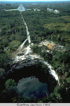 Les cénotes: des lieux envoutants et des traces d'une collision avec la météorite responsable de la disparition des dinosaures