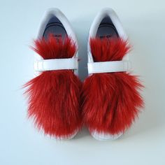 Faux fur panels to decorate your sneakers