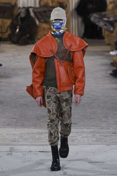 See all the Collection photos from Walter Van Beirendonck Autumn/Winter 2017 Menswear now on British Vogue Fashion Brand, Fashion News, Fashion Show, Mens Fashion, Fashion Design, Vogue Paris, Winter 2017, Fall Winter, Autumn 2017