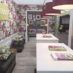 The beutiful wallpapers of Thibaut at Decorex 2016 London Design Festival Decorex International Decorex Syon Park #decorex2016 #londondesignfestival #luxuryfurniturebrands Find the latest news in: http://www.londondesignagenda.com/