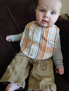SO fabulous! Free pattern for recycled shirt bibs. You could totally sell these and make a killing. #diy #coolstuffformoms