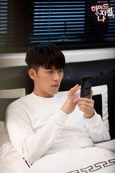 Korean Actresses, Asian Actors, Korean Actors, Hyun Bin, Hyde Jekyll Me, Joo Won, Hot Asian Men, Song Joong Ki, Asian Celebrities
