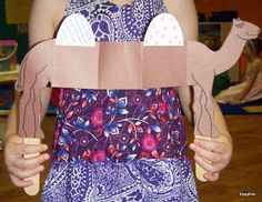 Tippytoe Crafts: Alice the Camel Puppets