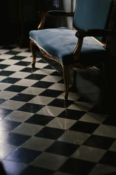 House Beautiful: Fresh and Traditional - Fresh, beautiful and lovely home inspiration to share today, enjoy. Ivy House, House On A Hill, We All Mad Here, Alice In Wonderland Aesthetic, Wonderland Alice, Ella Enchanted, Dark Interiors, French Interiors, Tulum Mexico