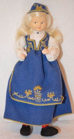 "Vintage 7.5"" RONNAUG PETTERSSEN Romerike Girl Doll blue NORWEGIAN NORWAY cloth Vintage Toys, Girl Dolls, Norway, Scandinavian, Doll Clothes, Ethnic, Nostalgia, Charlotte, Culture"