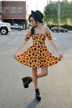 Sunflower dress. I hope you don't have to be super skinny, and boobless to pull this off ;_____;