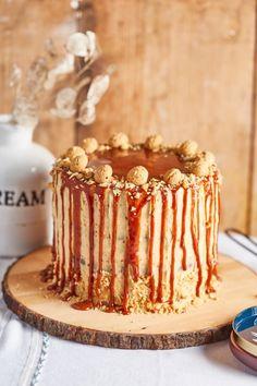 Mogyoróvajas, sós mogyorós torta | Street Kitchen Vanilla Cake, Tiramisu, Food Porn, Food And Drink, Sweets, Ethnic Recipes, Pizza, Cakes, Mini
