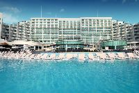 Cancun has an excellent selection of family friendly resorts and hotels. Find the best Cancun kid`s clubs here! Family Friendly Resorts, Family Resorts, Hotels And Resorts, Cancun, Family Travel, Vacation, Kids, Top, Family Trips
