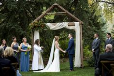 Outdoor wedding ceremonies are Colorado. You don't have to trek up the mountains to get gorgeous mountain views at a beautiful outdoor location.   Haystack Hearth in Niwot is the perfect outdoor venue.  Thanks evermorecreation.com for the picture