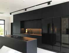 Black as the power to add refined sophistication to a room! Find some inspiratio Black Kitchen Add Black Find Inspiratio power Refined Room sophistication Black Kitchen Decor, Kitchen Room Design, Modern Kitchen Design, Home Decor Kitchen, Modern House Design, Interior Design Kitchen, Kitchen Ideas, Kitchen Trends, Kitchen Tips