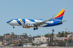 "Southwest Airlines ""Louisiana One"" arriving at SAN on April Aeroplane Flying, Airplane Art, Southwest Airlines, Pizza Rolls, Air Planes, Commercial Aircraft, Civil Aviation, World Pictures, Bus"