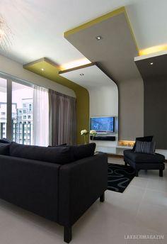 Médiafal a nappaliban színes gipszkarton síkokkal