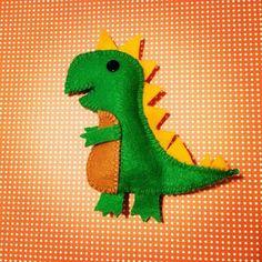 Free DIY Pattern - A super cute felt dinosaur - Dinosaurcrafter.com