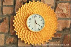 (#DIY Chrysanthemum Clock) #Upcycle This! 14 Ways to Reuse Plastic Spoons