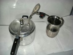 Who would have thought that lack of coffee in small towns would encourage Rozadeen to make a low-cost coffee machine in 1993? He used his street-skills to study the coffee-making process and modified a regular pressure cooker into a coffee-machine with a metal pipe. A mechanic and a welder by profession, Rozadeen has applied for a patent for his design.