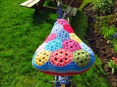 Hello Lovelies, yippee, I've got come colourful crochet to share with you today..... and if you can resist the temptation to scroll down ...